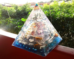 Orgonite de Cristais Super Piramide 1,5 Kg Azul
