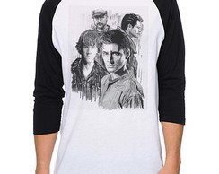 Camiseta Raglan Supernatural - Winchester and friends