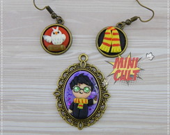 Kit Brincos + Mini Pingente Camafeu Harry Potter