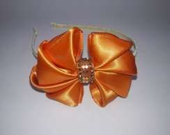 Tiara Saint Ribbon