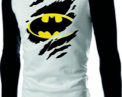 ... Camiseta Raglan Manga Longa Batman 3 D 456231b3f2b5f