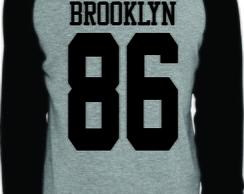 08613189f ... Camiseta Raglan Manga Longa Brooklyn 86