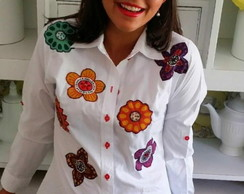 Camisa bordada Love flores yes