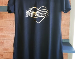 Maxi T-Shirtonga l Mullet Preta Estampa Love Music