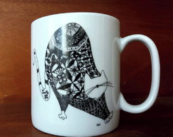 Caneca Gato Alongado Chocolate