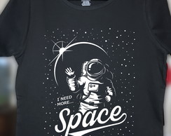 Camiseta I Need More Space