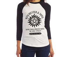 Camiseta Supernatural Sobrenatural Winchester & Sons