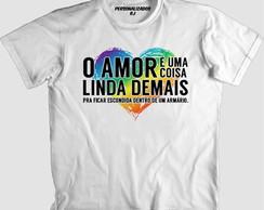 ... Camisa AMOR NO ARMÁRIO - GAY - LÉSBICA - LGBT d78be7e327f87