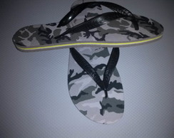 Chinelos Customizados estampado masculino camuflado.