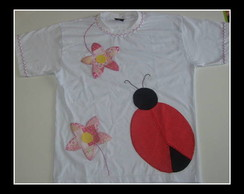 Camiseta besouro patchwork