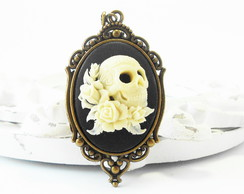 Colar Camafeu Skull and Roses