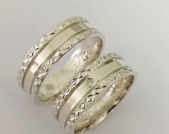 ... Par de Aliança 6mm Laterais Diamantada em Prata 87724f8954