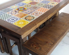 MESA COM AZULEJOS DECORADOS TOM IMBUIA 1,50M + 1 BANCO