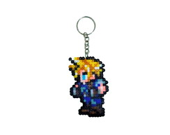 Chaveiro Cloud Strife (Final Fantasy VII) - Pixel Art