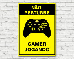 Placa Decorativa Gamer Jogando XboxOne