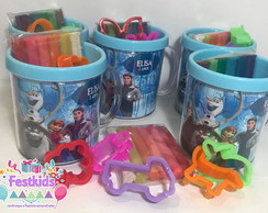 Foto caneca + kit massinha Frozen