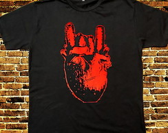 Camiseta Metal Hearth
