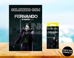 Kit Revista de Colorir + Giz de Cera Coringa