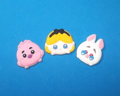 Mini aplique Alice Tsum Tsum em biscuit.