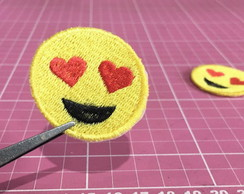 PATCH BORDADO EMOTICON/EMOJI TERMOCOLANTE