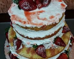Bolo Naked Cake Decorado com morangos Barra da Tijuca no