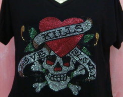 Camiseta Caveira Love Kills gola V
