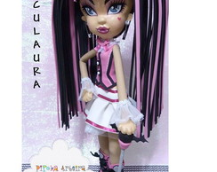 Boneca monster High Draculaura esculpida