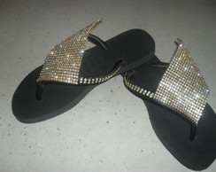 Havaianas customizadas com manta de strass