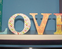 Palavra decorativa LOVE - Tons suaves