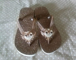 chinelo decorado com strass e coruja
