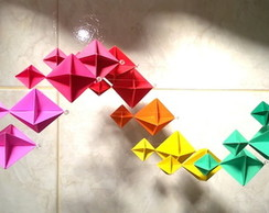 Mobile Spinner Arco íris (Origami)