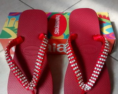 Havaiana decorada com strass