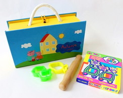 Caixa Mini Maleta com Kit Massinha Peppa