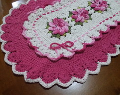 Tapete oval com flores pink