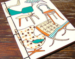 "Caderneta POP ""Chairs"" (Scrapbook)"
