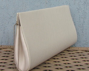 Clutch Off White
