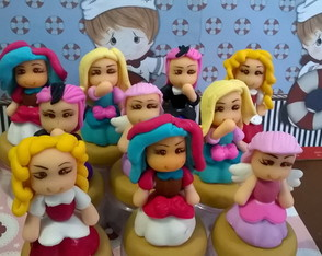 princesas Ever Afteres em biscuit