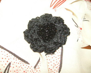 broche-de-flor-de-croche-bordada