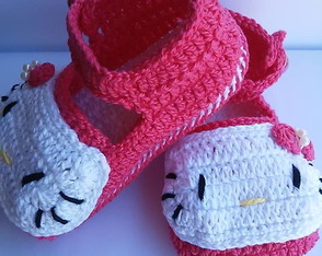 sandalia-de-croche-hello-kitty-pink-sapatinho-pink