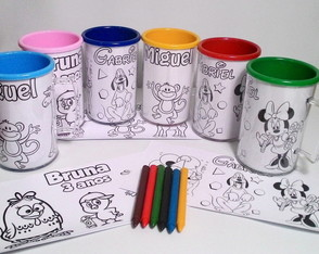 Caneca para Pintar Mickey, Minnie, Safari