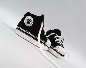 A199 Sapatinho de croche tipo all star