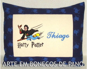 almofada-bordada-harry-potter-hogwarts