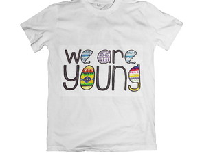 Camiseta Unissex We Are Young