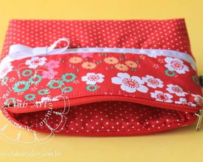 necessaire-floral-red