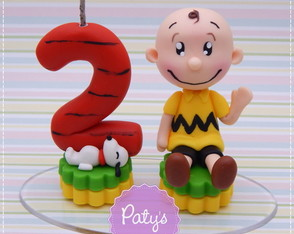 Mini Topo com Vela Snoopy e Charlie Brown