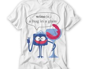 Camiseta Divertida A Hug in A Glass
