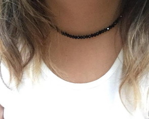 Choker de mini cristais pretos