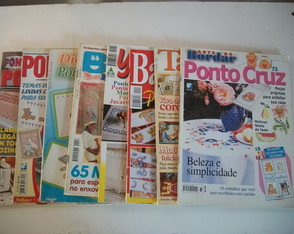 Lote 8 Revistas Ponto Cruz e bordados