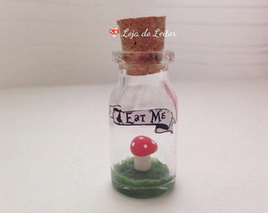 Mini Terrário Eat Me - Alice in Wonderland