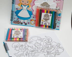 Bloco para colorir Alice no País das Mar